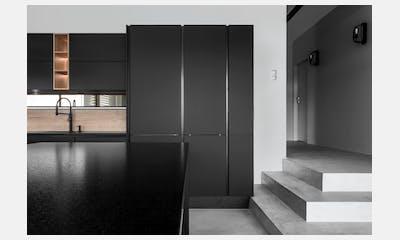 Touch by Werk Mebel + Sensa Moak Black