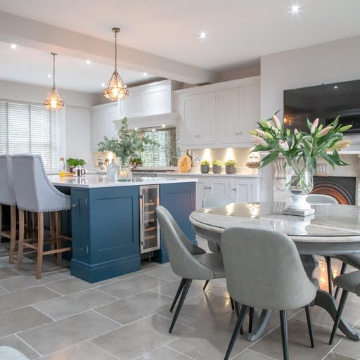 SMART NAVY KITCHENS FOR EVERY STYLE – MADE IN SHEFFIELD.