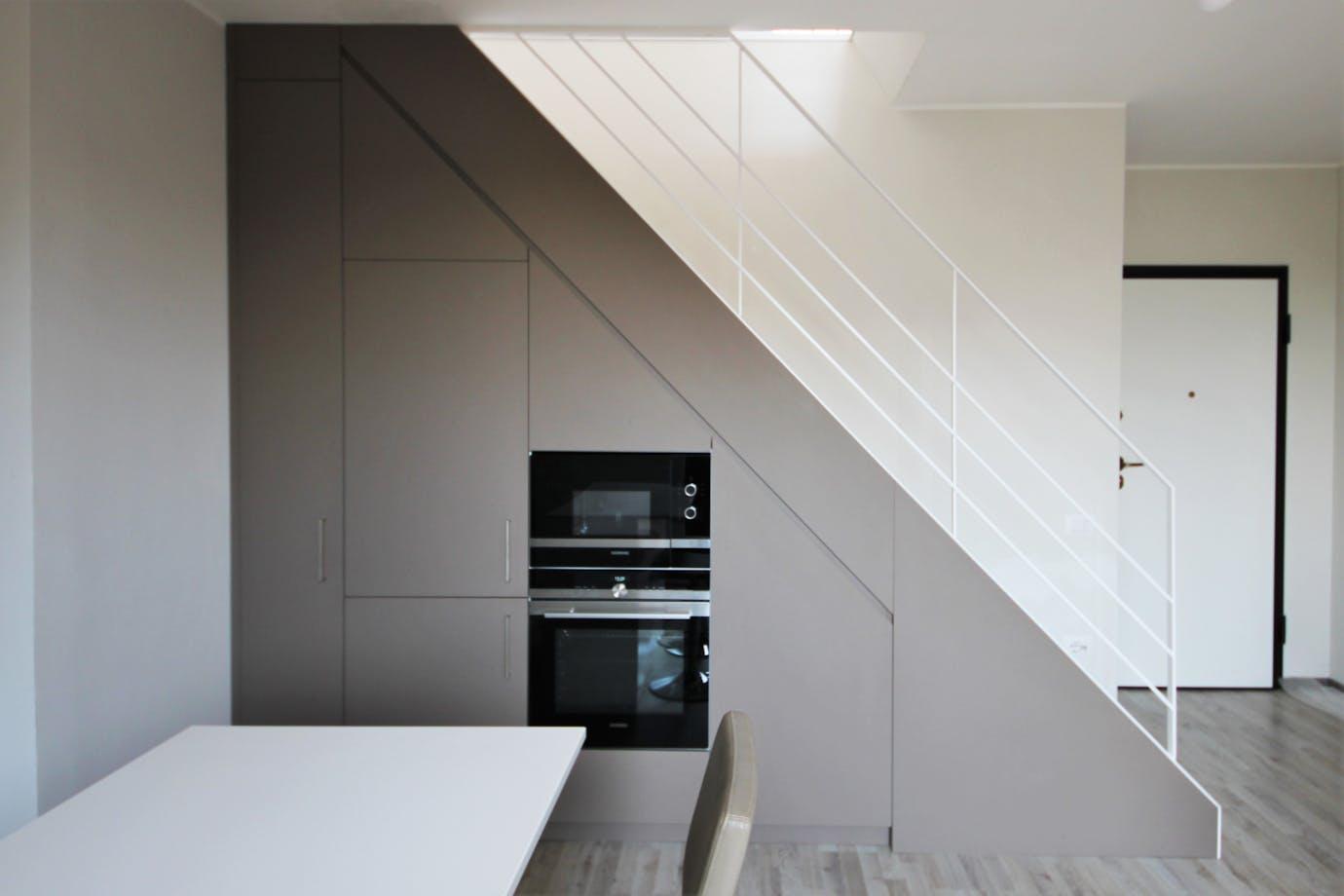 Cucina con scala