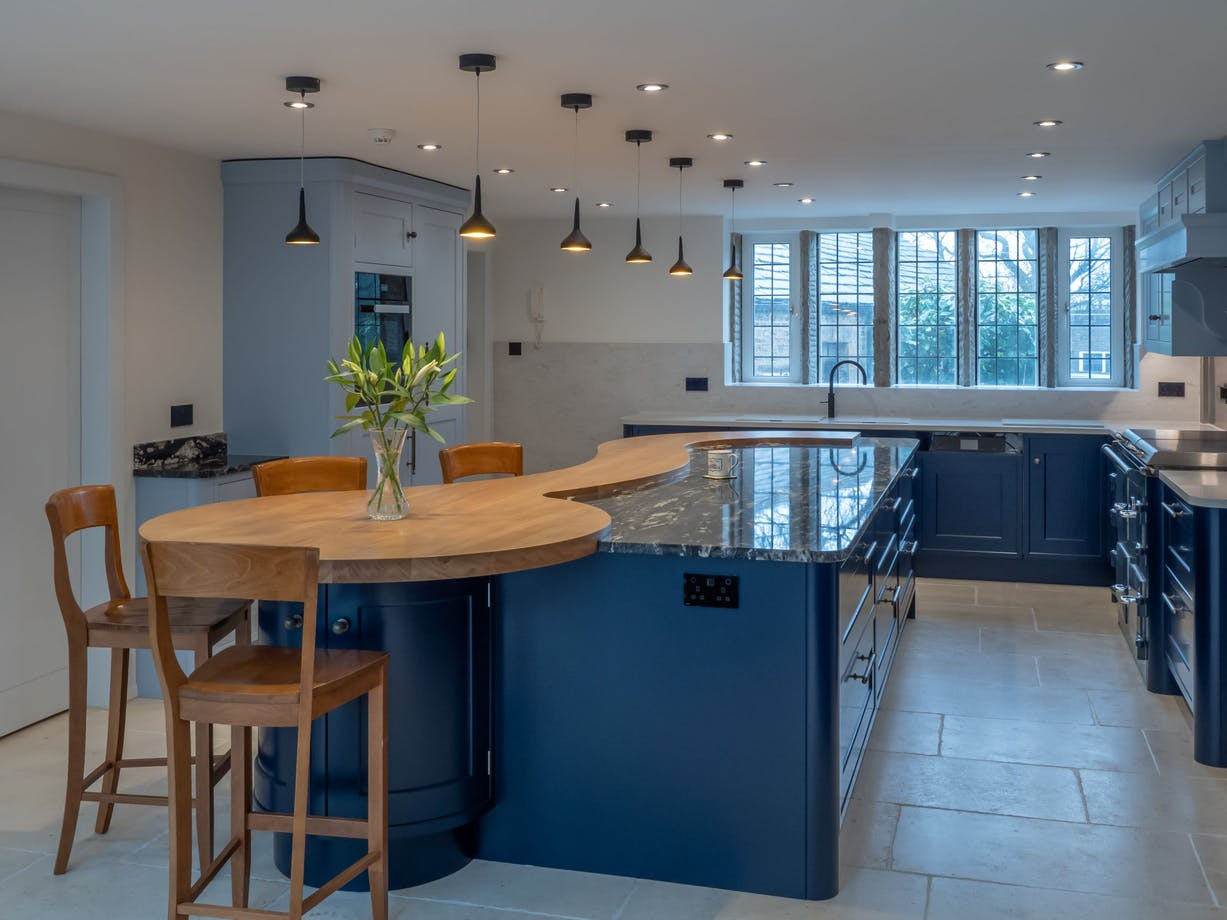Scalea How A Curved Bespoke Island Can Be The Perfect Addition To Your Luxury Kitchen By Cosentino Cosentino Deutschland