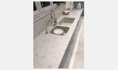 Teal Kitchen - Silestone Lyra