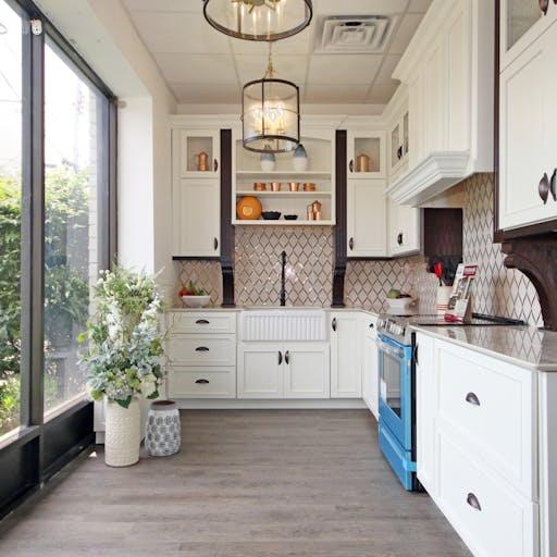 White Starmark kitchen with Dekton counters