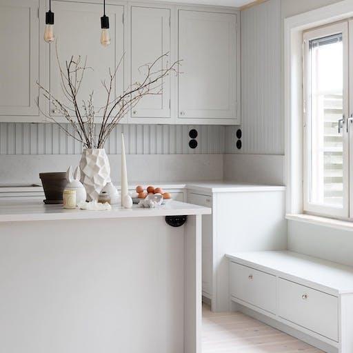 Gina Mannberg's  organic shaker kitchen with Silestone® Nolita