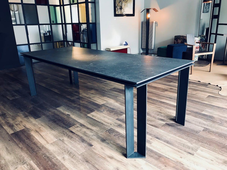 Au & Co Kitchen & Table