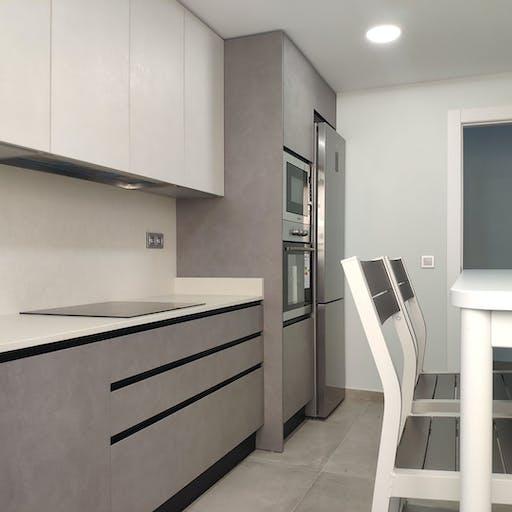 Cocina diseño nacional / Silestone DESERT SILVER Suede