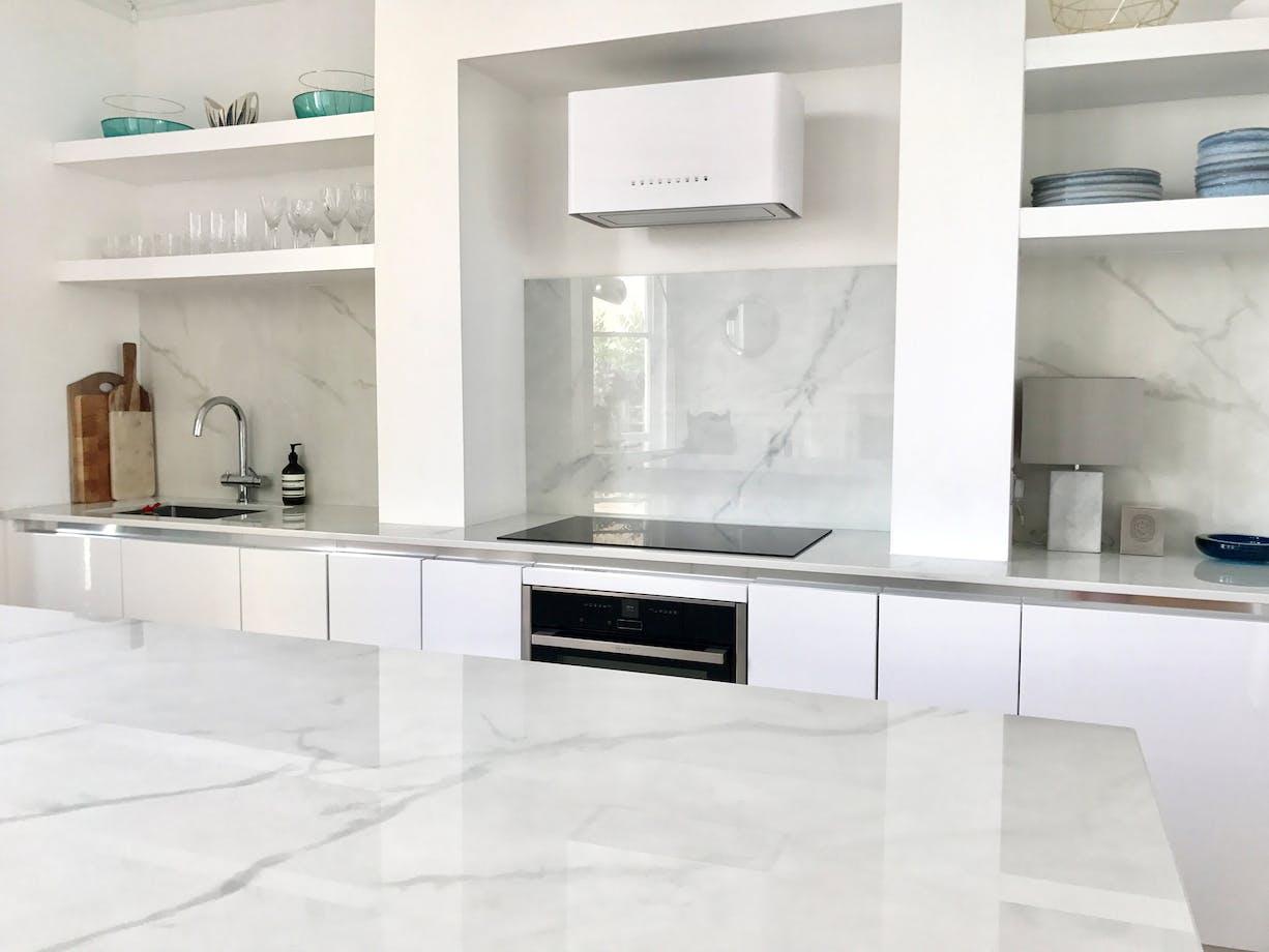 Dekton - Kate Davis-macleod Kitchen   By Cosentino : Cosentino EAU