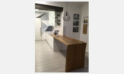Enter Team Calacatta Gold Showroom