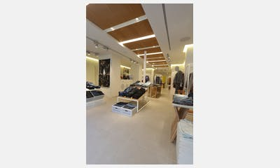 Jeans Store Paris